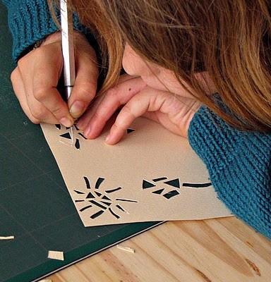 Exemple atelier découpe de papier avec les enfants