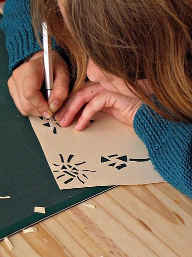 Ateliers initiations aux papiers découpés